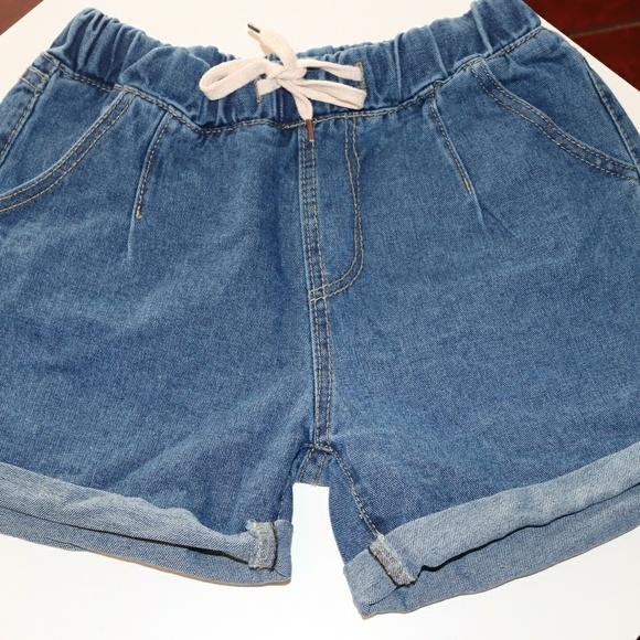 5a83f7601c Drawstring Waist Roll Hem Ripped Pocket Shorts. M_5c0aa615819e90d39f918ff4